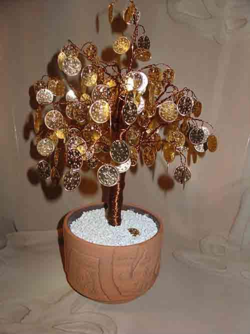 Денежные деревья из бисера