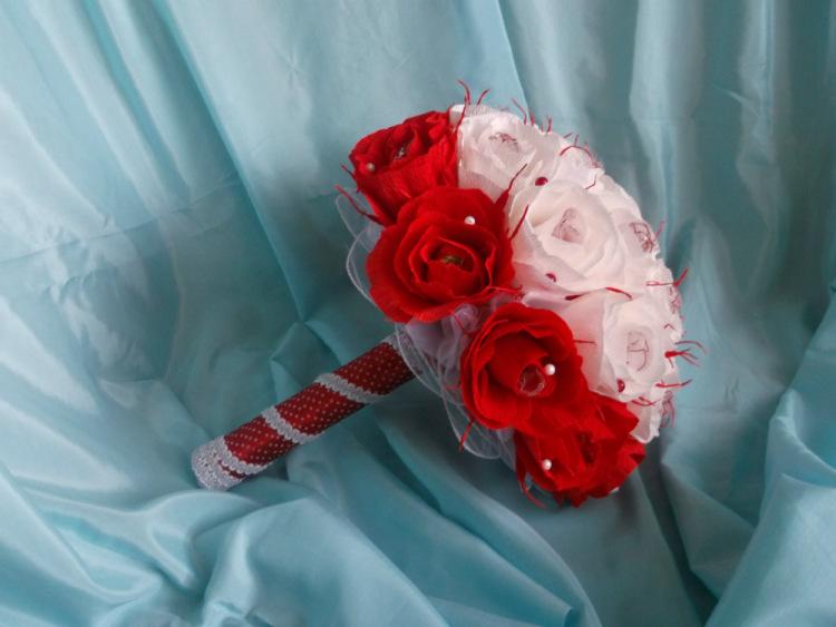 Букет невесты своими руками из гофрированной бумаги 32