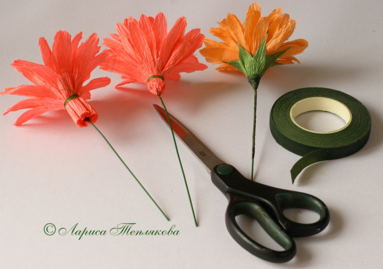 Герберы цветы из гофрированной бумаги